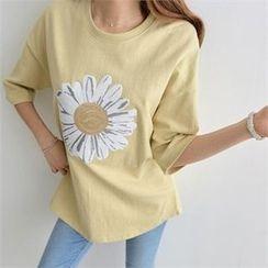 PEPER - Drop-Shoulder Flower Print T-Shirt