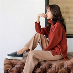 Styleberry - Turtle-Neck Slit-Hem Sweater