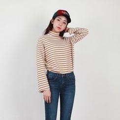 Vintage Vender - Turtle-Neck Stripe T-Shirt