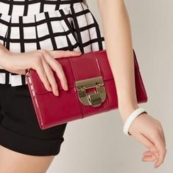 O.SA - Patent Clutch With Chain Strap