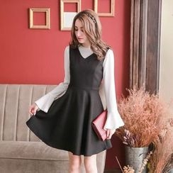 Tokyo Fashion - Sleeveless V-Neck A-Line Dress