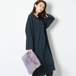 FASHION DIVA - Drop-Shoulder Midi T-Shirt Dress