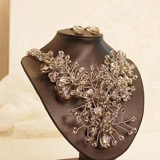 Love Generation - Gemstone Flower Statement Necklace