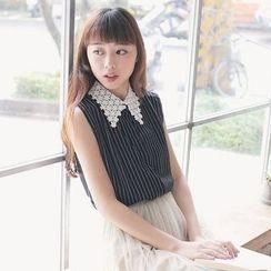 Tokyo Fashion - Lace Panel Striped Sleeveless Blouse
