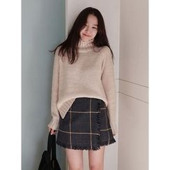 maybe-baby - Turtle-Neck Wool Blend Knit Top