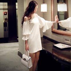 Sherbo - Off-Shoulder Shift Dress