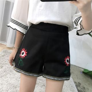 HazyDazy - Floral Embroidered Wide Leg Shorts