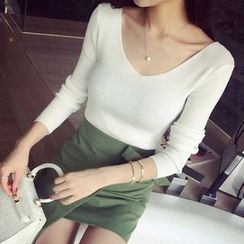 Dream Girl - Plain V-Neck Long Sleeve Knit Top
