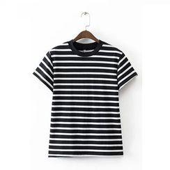 Ainvyi - Striped Short-Sleeve T-Shirt