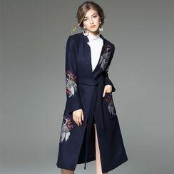 欧依潮派 - 腰系带刺绣羊毛外套