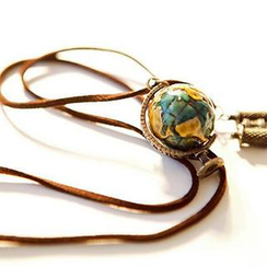 Yoliger - Globe and Binoculars Necklace