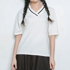 FancyMe - 條紋V領短袖T恤