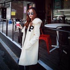 Dabuwawa - Furry-Trim Hooded Applique Coat
