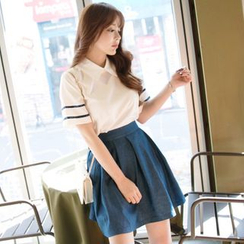 Dowisi - Set: Short-Sleeve Blouse + Pleated Skirt