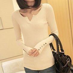 Coralie - Long Sleeved V-neck Knit Top