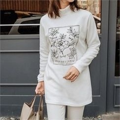 JOAMOM - Turtle-Neck Printed T-Shirt