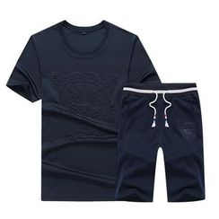 Bingham - Set: Embossed Short-Sleeve T-Shirt + Shorts