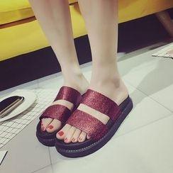 IYATO - Peep-Toe Double Strap Sandal