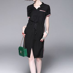 Alaroo - Tipped Drawstring Waist Front Split Short Sleeve Dress