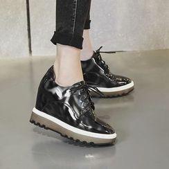 錦洋鞋業 - 內增高牛津鞋