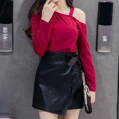 Fashion Street - Set: Cut Out Shoulder Long Sleeve Top + Mini Wrap Skirt
