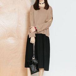 Heynew - Mock Two Piece Pleated Hem Cut Out Sleeve Pullover Dress