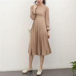 AiAi Bear - Long-Sleeve Midi A-Line Dress