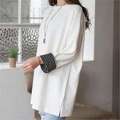 CHICFOX - Stripe Hem-Sleeve Round-Neck T-Shirt