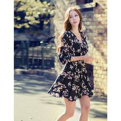 GUMZZI - Floral Print Dress