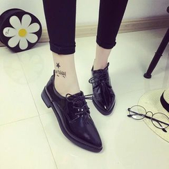 Chryse - Pointy Lace-Up Shoes