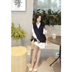 MyFiona - V-Neck Sleeveless Boxy-Fit Knit Dress