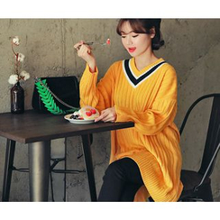 HOTPING - V-Neck Contrast-Trim Knit Dress