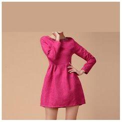 草莓花朵 - 水钻长袖连衣裙