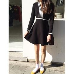 FROMBEGINNING - V-Neck A-Line Knit Mini Dress