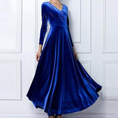 Dream a Dream - Long-Sleeve A-Line Velvet Evening Gown