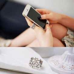 Love Generation - Floral Ring