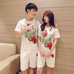 Evolu Fashion - Coupe Matching Set: Floral Print Short-Sleeve T-Shirt + Shorts