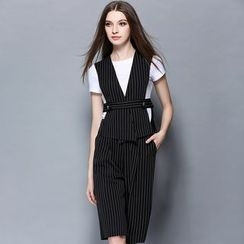 Cherry Dress - Set: Short-Sleeve T-shirt + Pinstriped Vest + Capri Pants