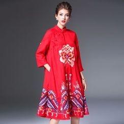 Elabo - Floral Embroidered 3/4-Sleeve Midi Dress