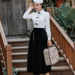Ebbie - 套装: 皱褶领蝴蝶结装饰衬衫 + 刺绣中裙