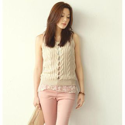 SO Central - Lace Underlay Sleeveless Cable-Knit Vest