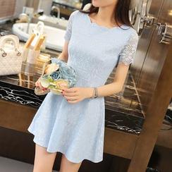 Keylook - Lace Panel Short-Sleeve Dress