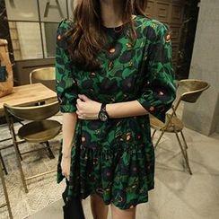 Jolly Club - 3/4-Sleeve Printed Dress