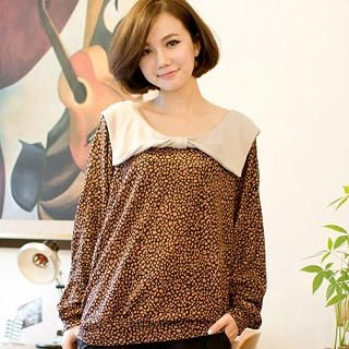 CatWorld - Wide Bow-Collar Dotted Top