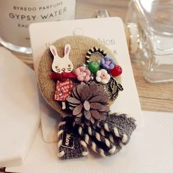 Queen Shine - Rabbit Flower Brooch