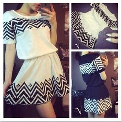 QZ Lady - Set: Zigzag Pattern Knit Top + Knit Skirt