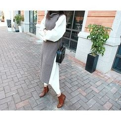 MARSHMALLOW - Turtle-Neck Sleeveless Slit-Side Long Sweater