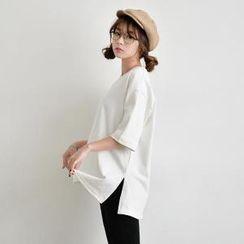 JUSTONE - Elbow-Sleeve Slit-Side T-Shirt