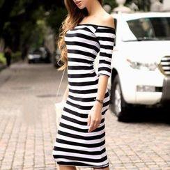 LIVA GIRL - Off-Shoulder Strap Stripe Dress