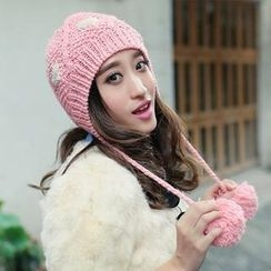 GreatMay - Pompom Accent Heart Pattern Knit Beanie